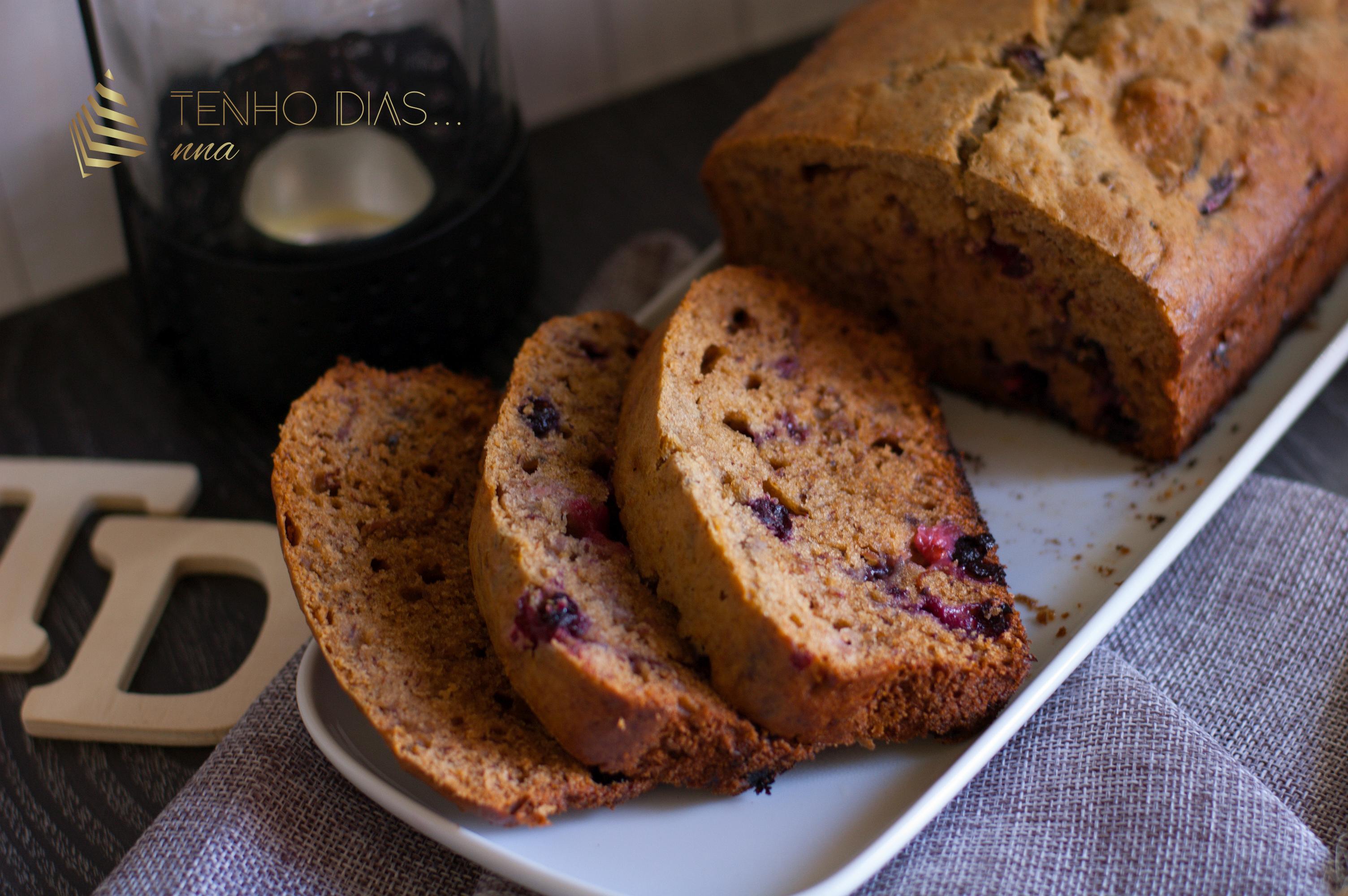 pão_de_banana_com_mirtilos